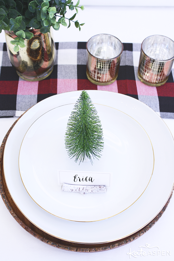 Rustic Holiday Table Setting | @kateaspen | KateAspen.com