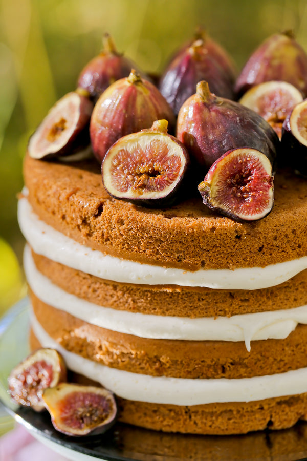 Naked cake with figs on top | Pepper Nix Photography