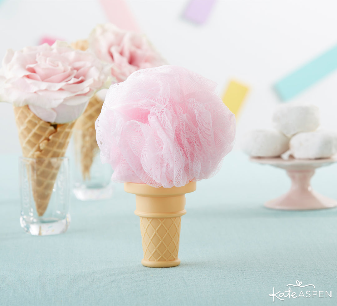 Loofah Favor | 8 Simply Sweet Party Ideas | Kate Aspen