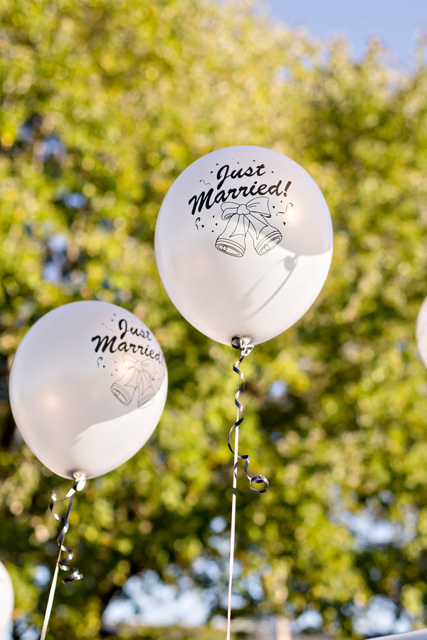 Just Married Balloons | www.justadreamllc.com