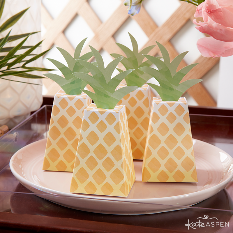 Pineapple Favor Boxes  | @kateaspen | KateAspen.com