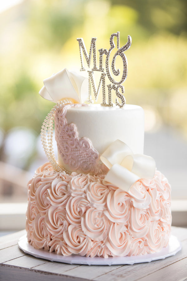 Pink Wedding Cake | A Beautiful Blush Wedding | Kate Aspen