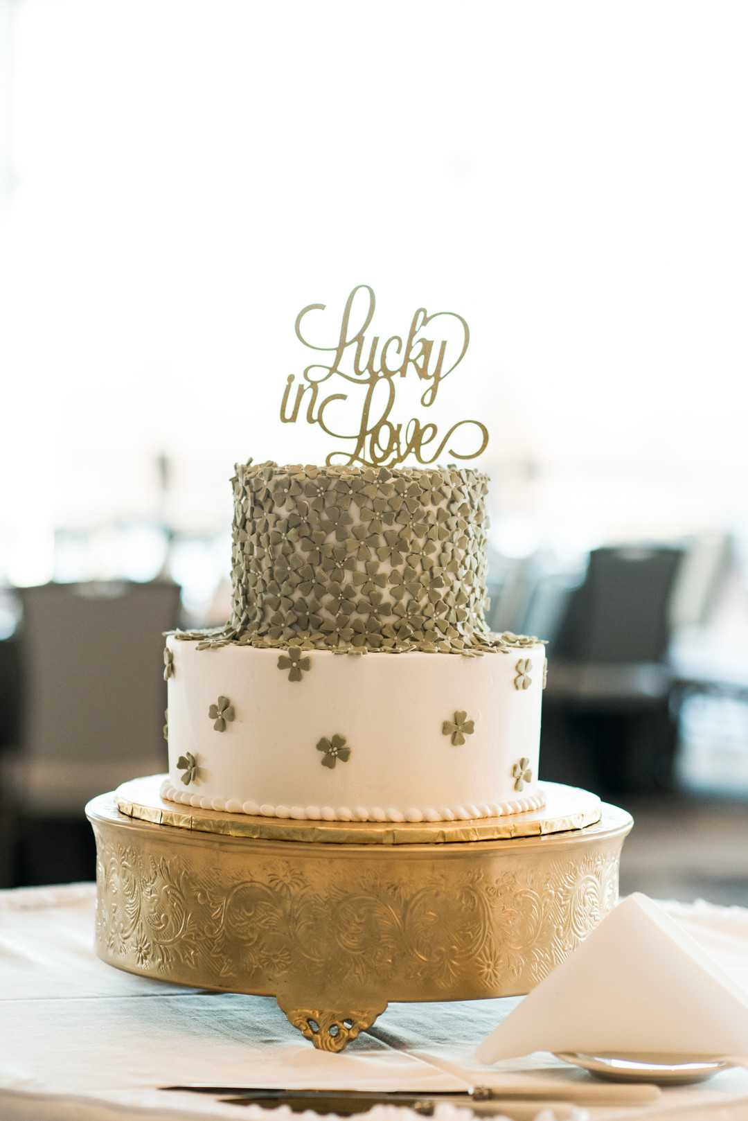 Wedding Cake | A Stunning St. Patrick's Day Wedding | Kate Aspen