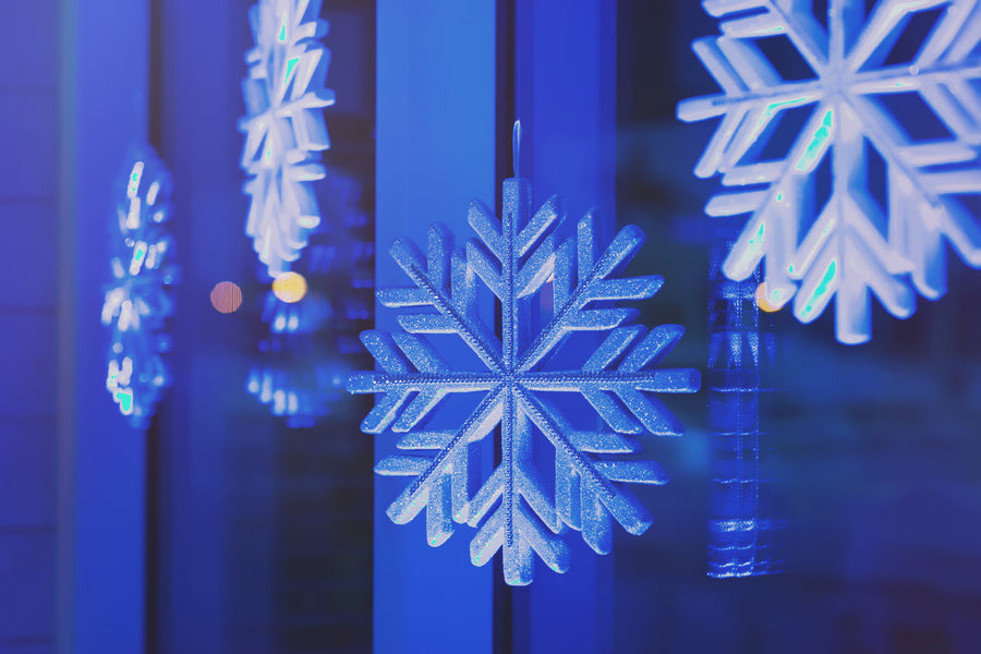 Snowflake Details | A Sparking Winter Wedding | Dana Widman Photography | Kate Aspen