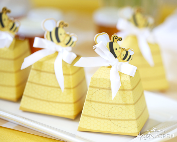 Bee Favor Boxes | Sweet As Can Bee Baby Shower by Kate Aspen | Photography & Styling: Pizzazzerie