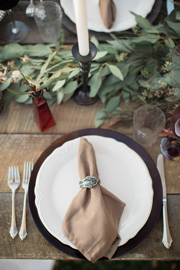 Table Setting | Wine Inspired Fall Wedding | Brooke Ellen Photography