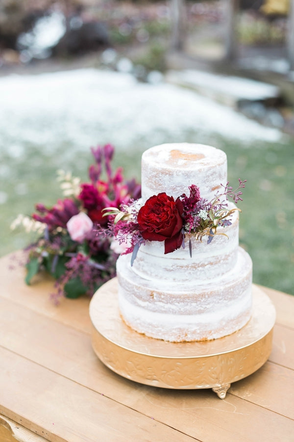 Three Tier White Wedding Cake | Ravishing Red Winter Wedding | Soft Elegance Photography