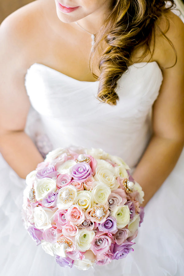 Bride with Bouquet | Pink Wedding in Florida | Claudette Montero Photography