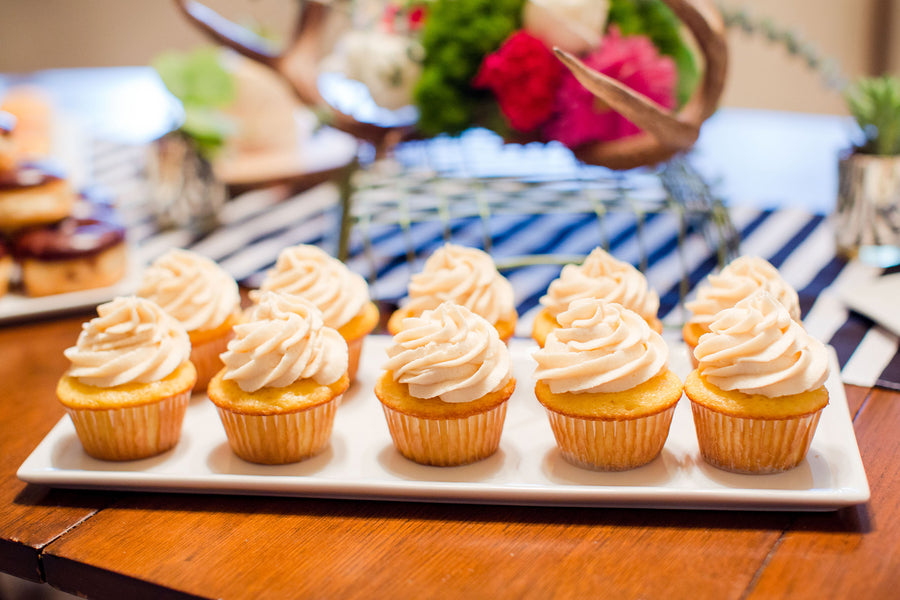 Vanilla Cupcakes | First Birthday Party | Katie Woody Photography