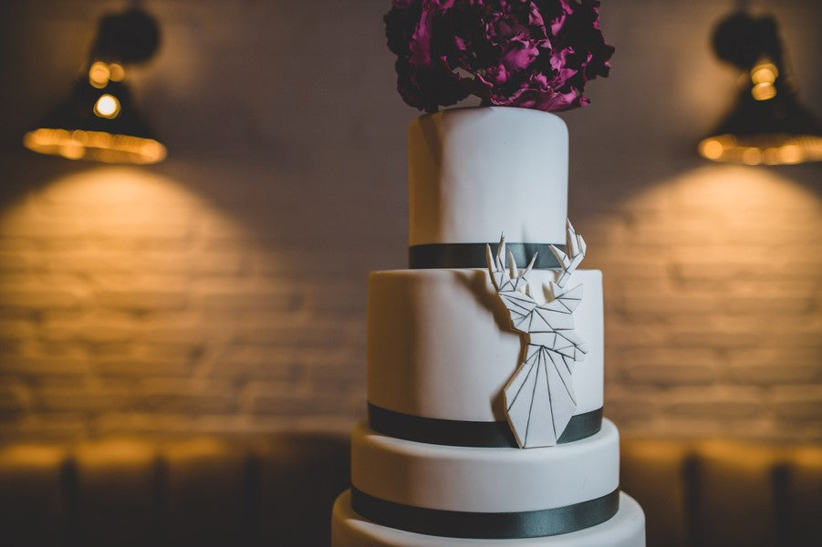 Wedding Cake Detail | Art Deco Wedding Inspiration | Edward Lai Photography
