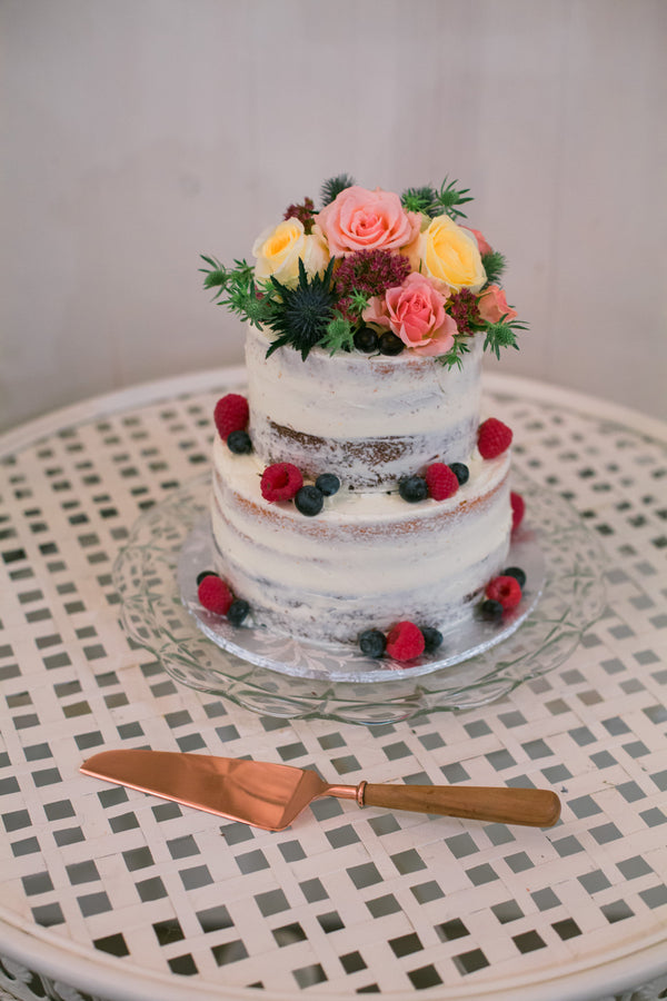 Wedding Cake | A Flowery Fall Wedding | Kate Aspen