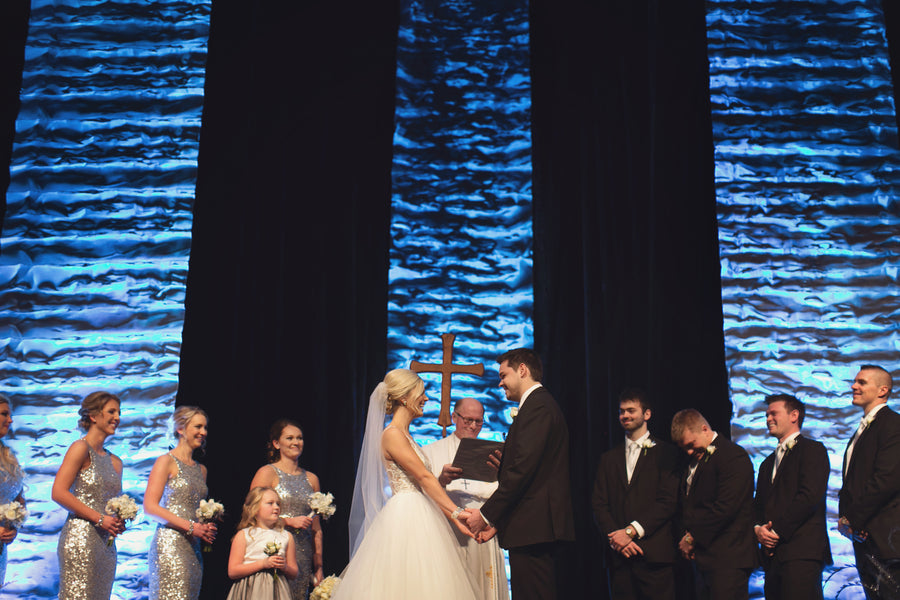 Wedding Ceremony | A Sparking Winter Wedding | Dana Widman Photography | Kate Aspen