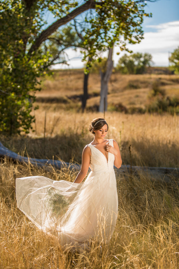 Beautiful Wedding Gown | Al Fresco Vintage Wedding Shoot | Aldabella Photography