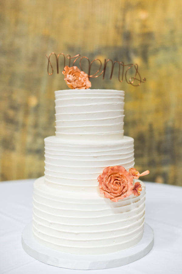 White Wedding Cake With Wire Topper | Peachy Pink Wedding in Historic Charleston | Priscilla Thomas Photography