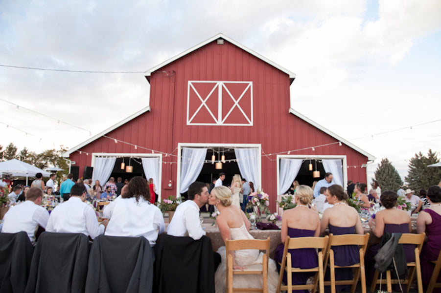 Estate table at a barn wedding reception | Tana Photography
