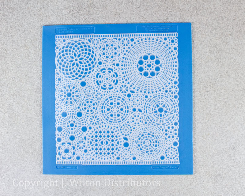 BROOCHES LACE MAT 8