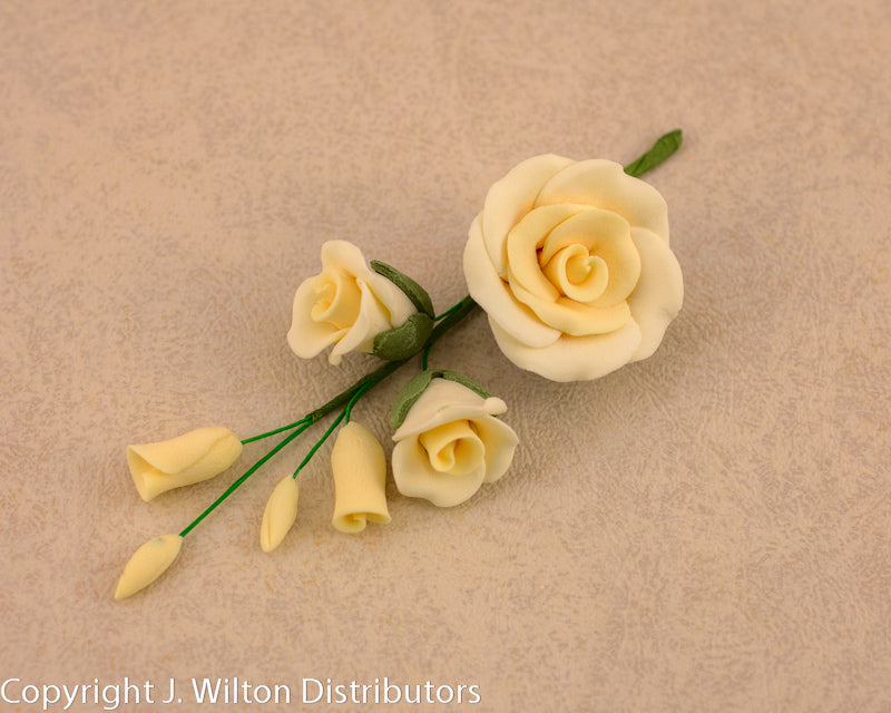 GUMPASTE  ROSE FILLER MEDIUM 3PC IVORY