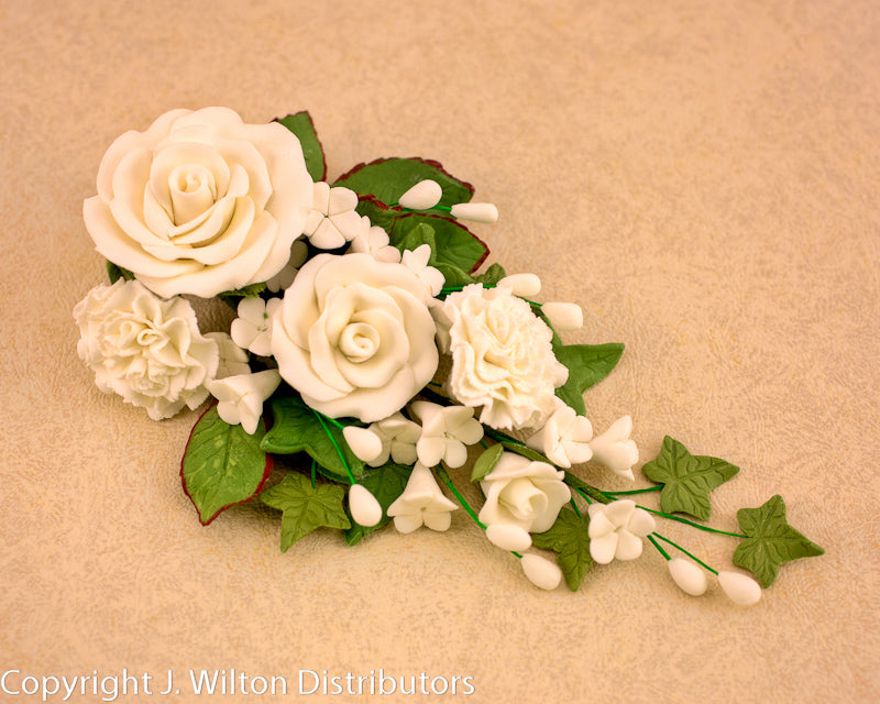 GUMPASTE ROSE/CARNATION BUNCH 1PC WHITE