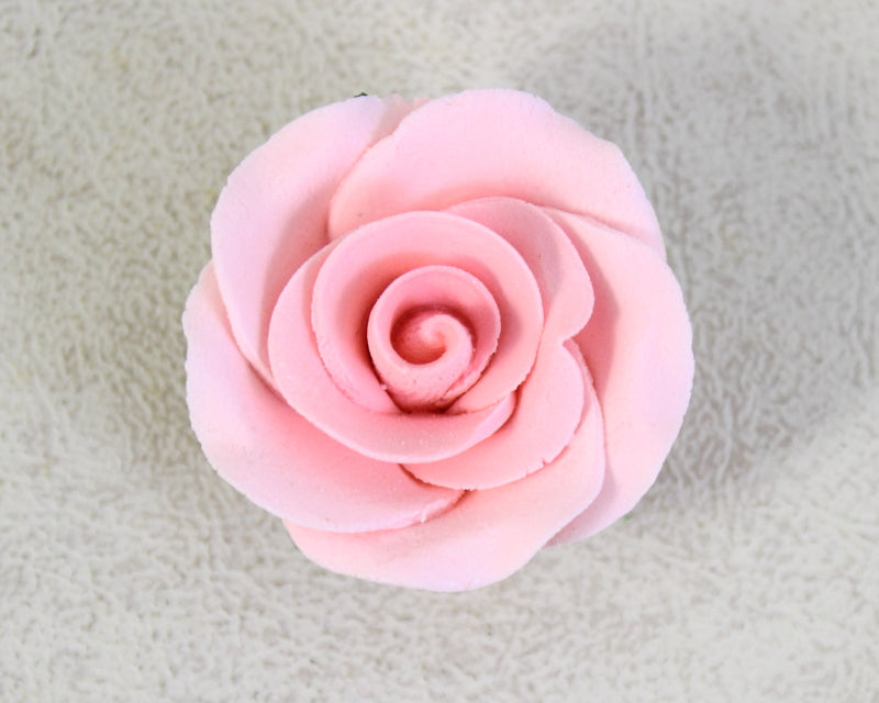 GUMPASTE ROSE W/ LEAVES MED. 8PC. PINK