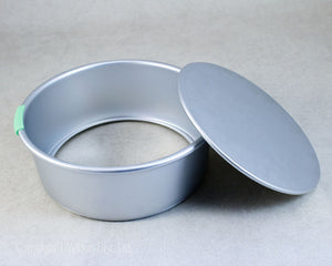"CAKE PAN REMOVABLE BOTTOM 8""x3"" ROUND"