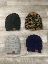 Load image into Gallery viewer, Rip's Threads Beanie's