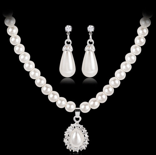 Pearl Necklace & Earring Set