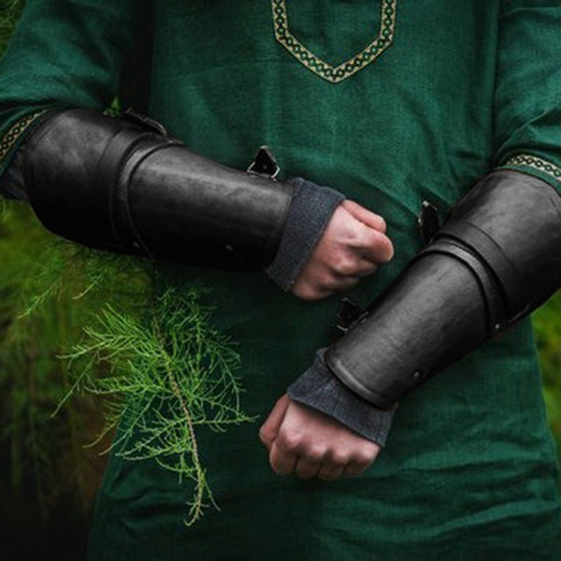 Outdoor Arm Defense PU Leather Gauntlet Set