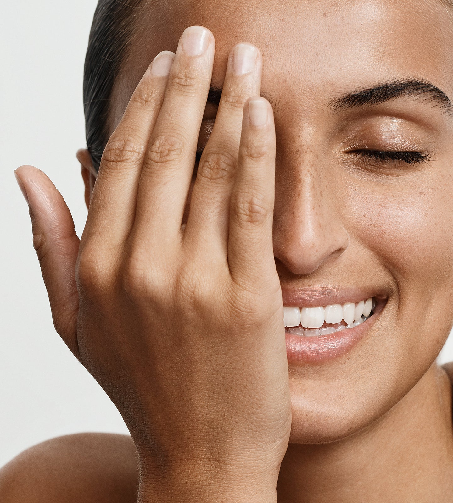 8 Ways to Treat Dry Skin Around the Eyes