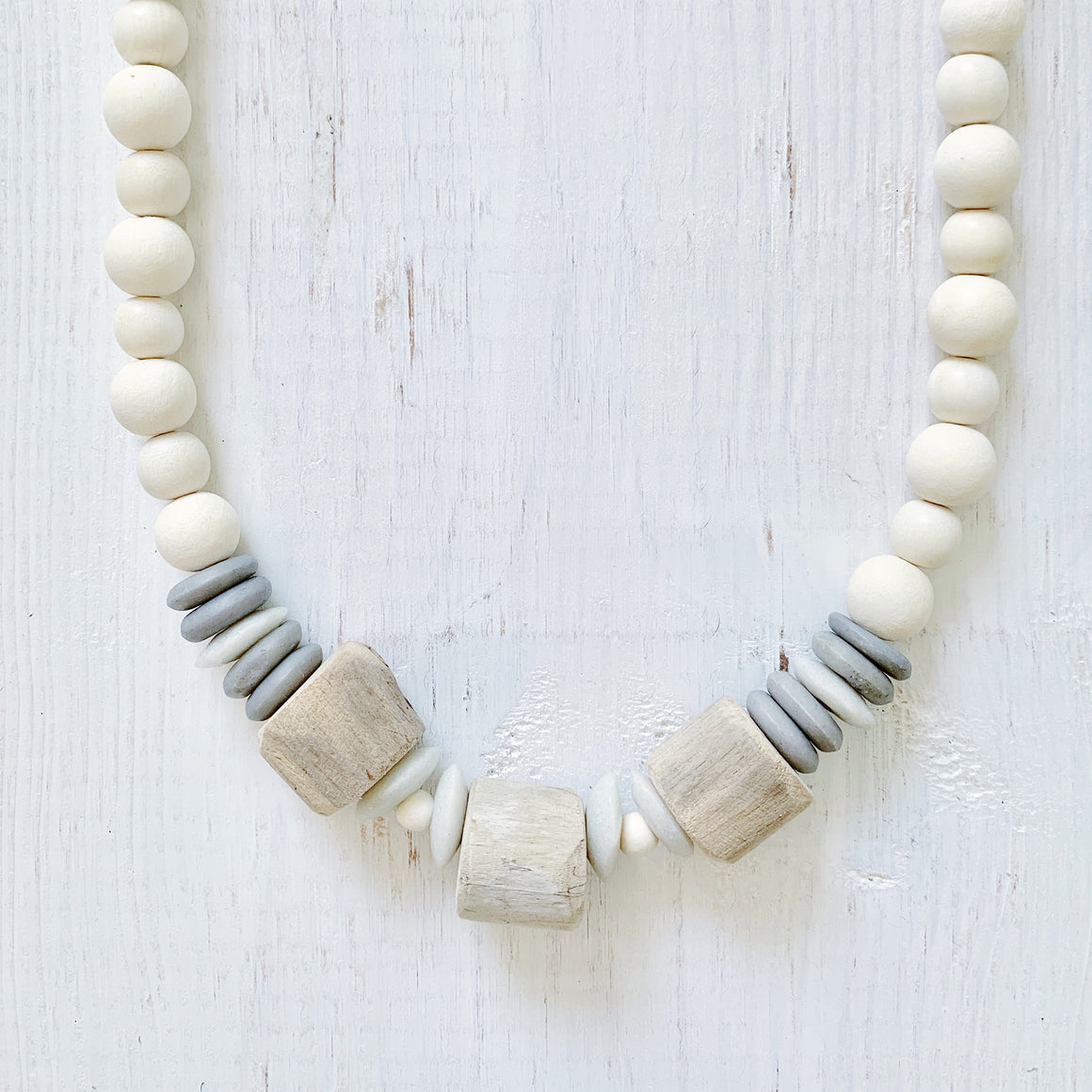 Monochrome Natural Necklace