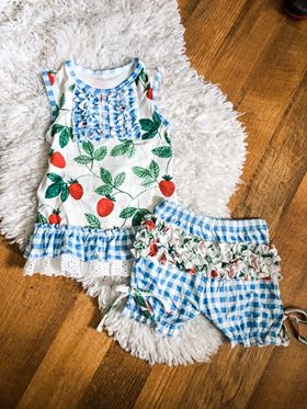 PREORDER - Strawberry Picnic Bloomer Set