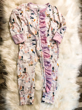 Load image into Gallery viewer, Leafy Watercolor girls layette w/pinkpurple Ruffles