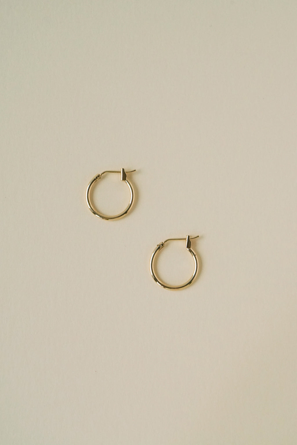 Basic Hoops in Gold (16mm)
