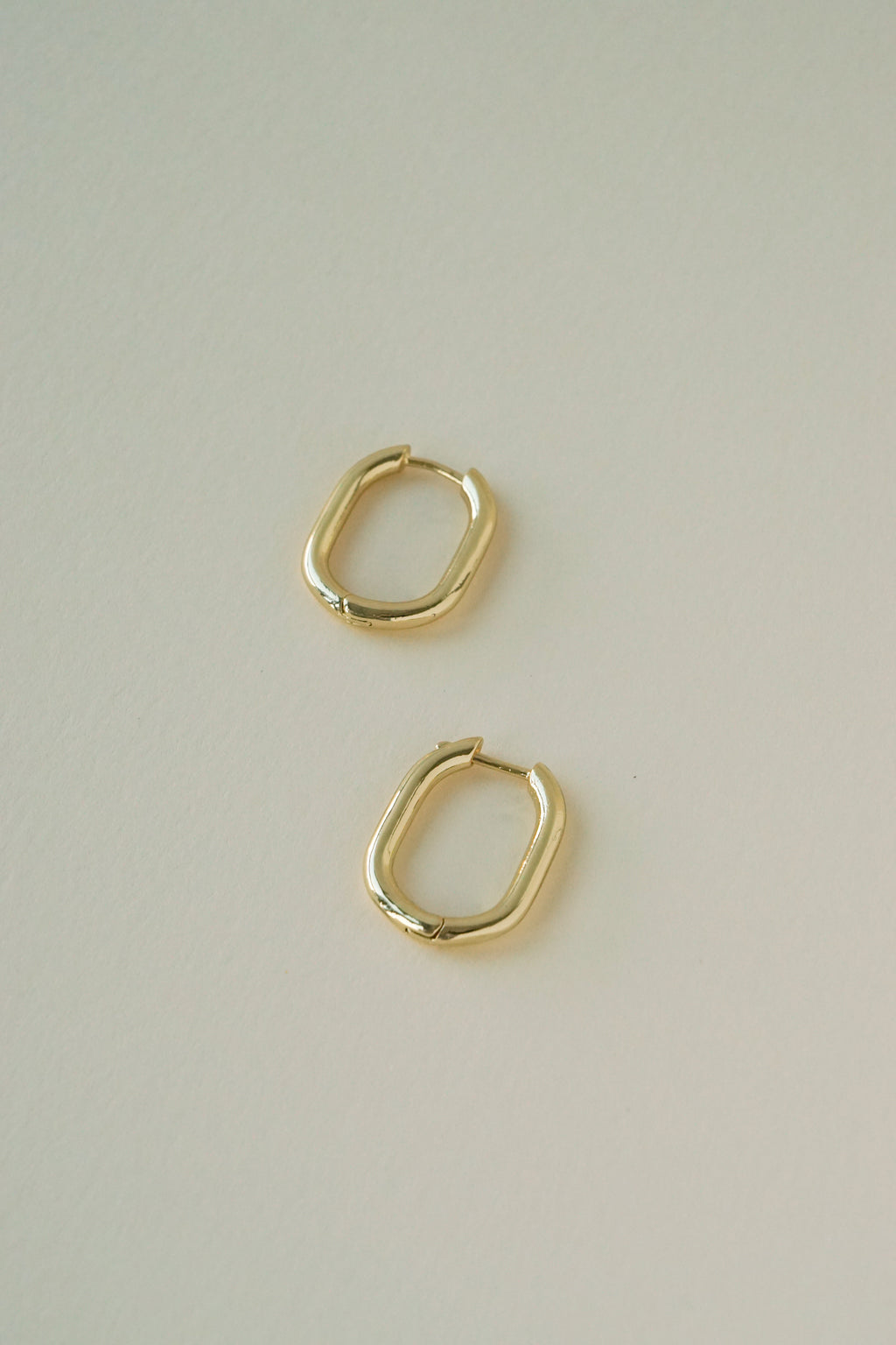 Oblong Hoops in Gold
