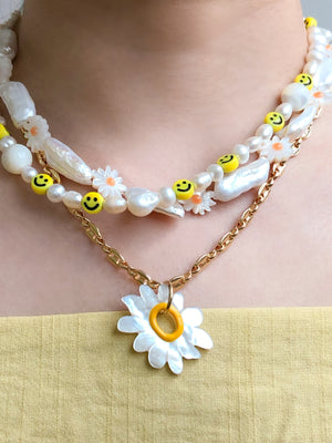 Daisy Chain Necklace - Mother Of Pearl