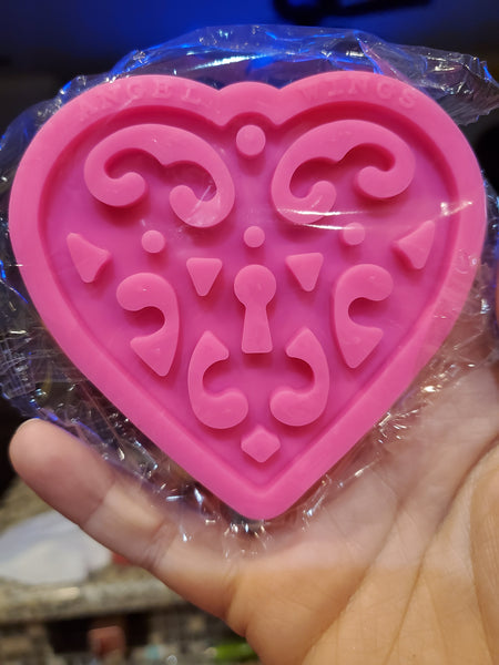 Lace Heart Mold