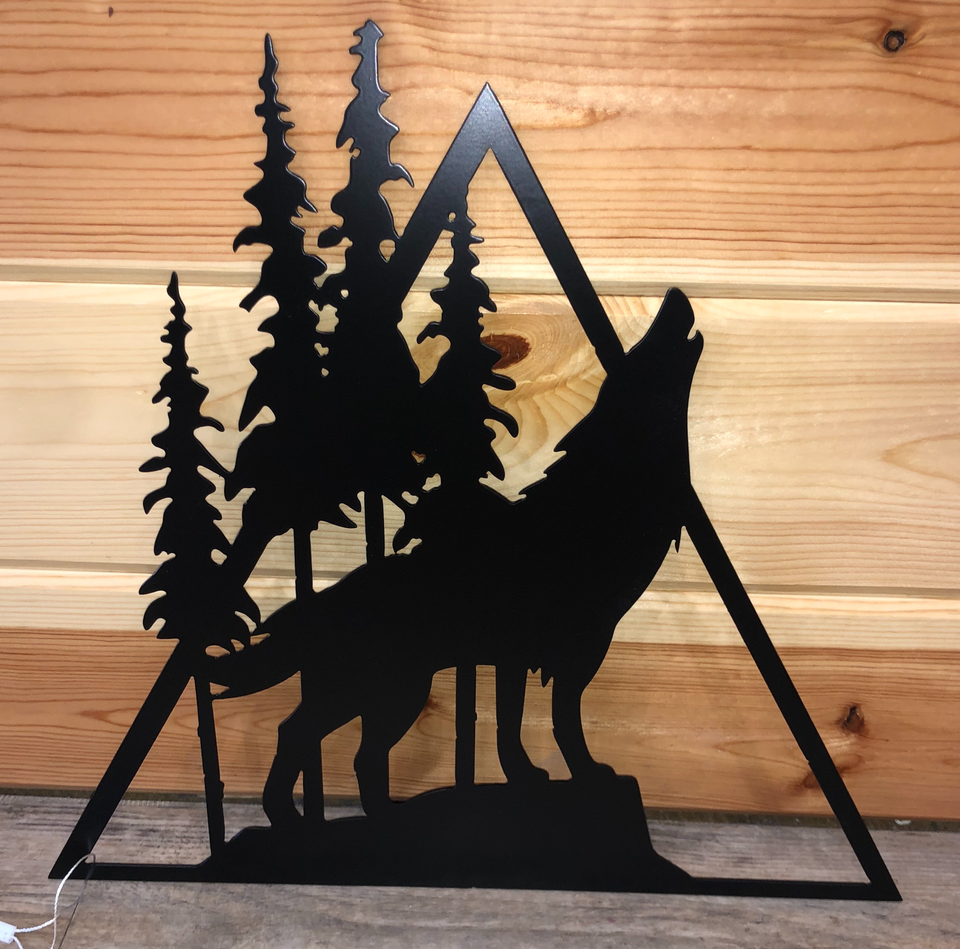 Wolf - Triangle Metal Decor