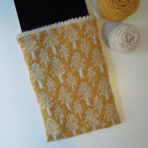 Scots Pine iPad Mini Sleeve Knitting Pattern