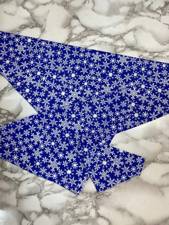 Dog bandanas, Christmas Blue snowflakes, small, medium, large, fits on the collar