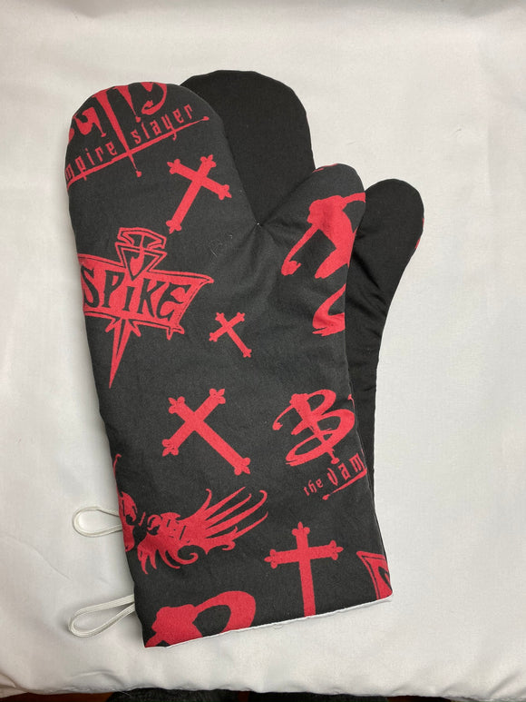 Oven mitts. Pop Culture. Buffy the Vampire Slayer!