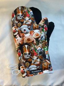 Animals. Farm animal selfies. Oven mitts. A pair of Fully Functional long Oven Gloves!