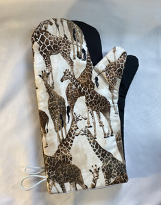 Animals. Giraffes. Oven mitts. A pair of Fully Functional long Oven Gloves. Adult size!