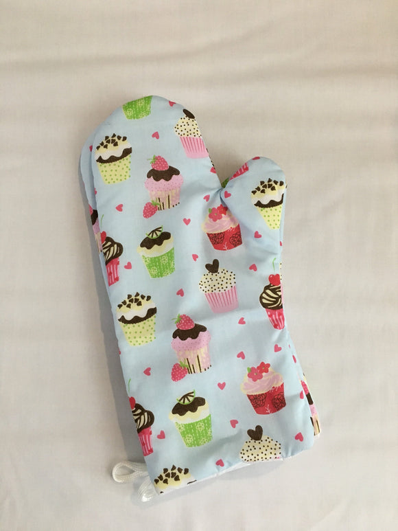 Oven mitts, Cupcakes! A pair of Fully Functional long foodie Oven Gloves!