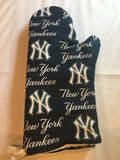 Oven mitts, New York Yankees! A pair of fully functional long, Oven Gloves!