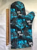 Oven mitts, Harry Potter Hogwarts! A pair of fully functional oven gloves!