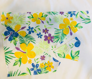 Dog bandanas! Small, medium and large hibiscus flower dog bandanas! It fits on the collar!
