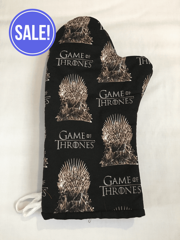 Oven mitts. Pop culture. Game Of Thrones Iron Throne!