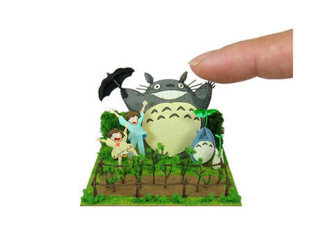 Miniatuart | My Neighbor Totoro: Dondoko Dancing