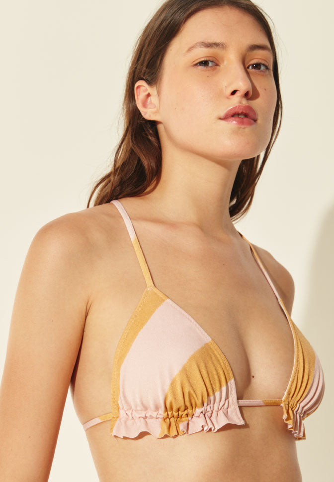 TRIANGLE FRONCÉ SUMMER STRIPES