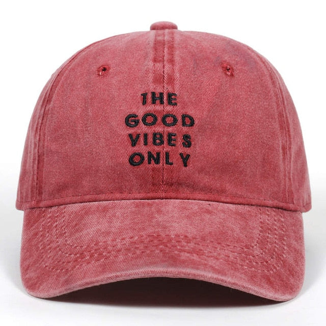 casquette good vibes rouge