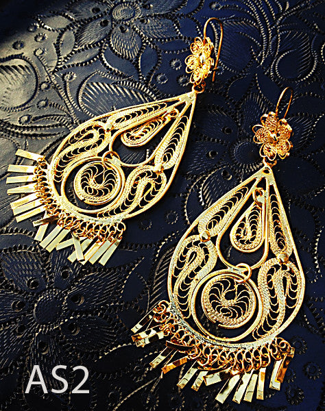 Handmade authentic filigree costume jewelry teardrop design